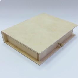 Lesena škatla knjiga s ključem